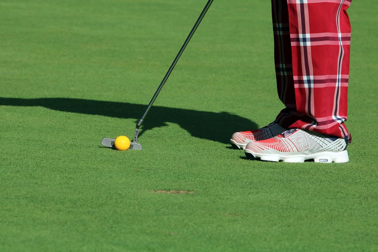 ゴルフシューズ